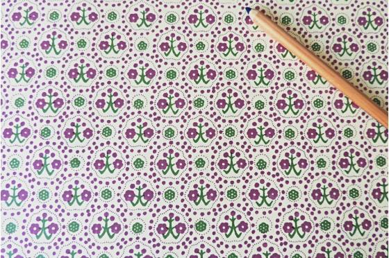 Papier florentin - fleurs vertes et lilas grimpantes