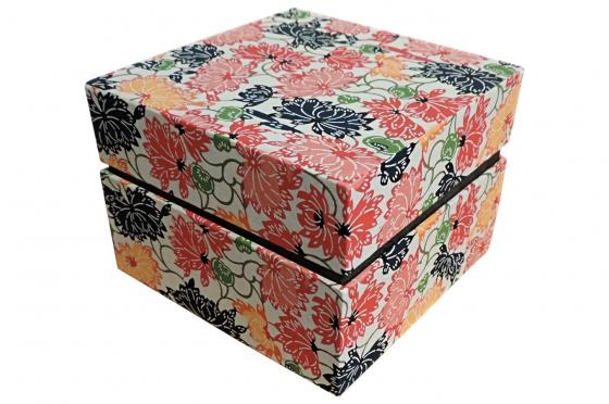 Boite carrée en washi traditionnel