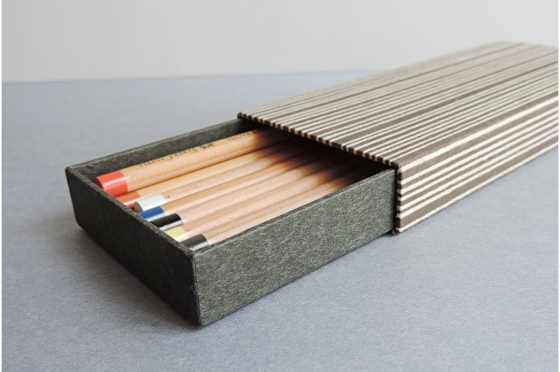 Etui à stylo et crayons katazome