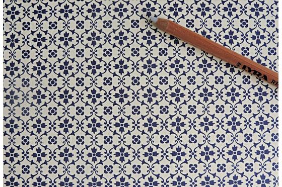 Papier florentin - motif fleur bleue tapisserie