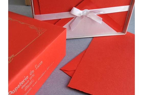 Cartes et enveloppes Création de Paris rouge