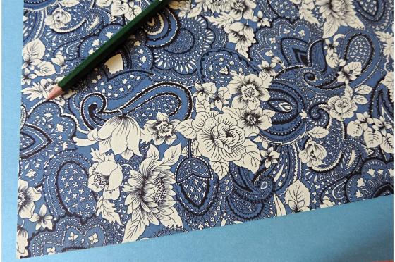 Papier florentin - fleurs et cachemire bleu lapis
