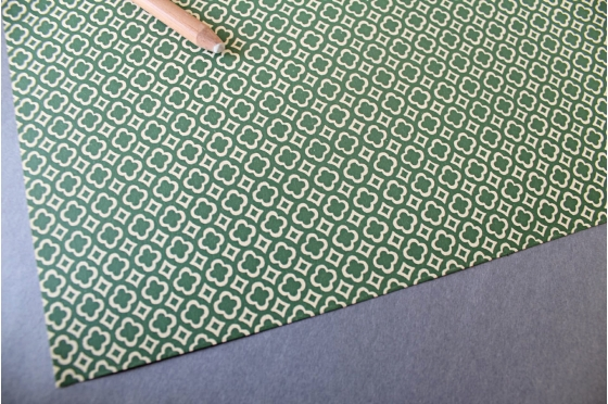 Papier florentin - carreaux & trèfles verts